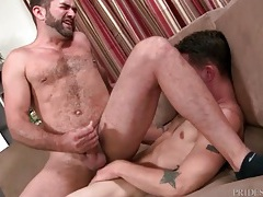 Skinny guy screws the ass of a hairy guy tubes