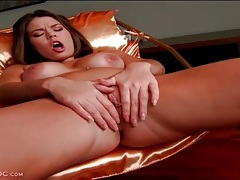 Plump pussy lips open for her solo masturbation porn tubes