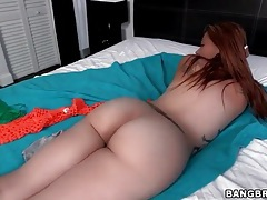 Curvy carmen ross knows her ass is amazing tubes