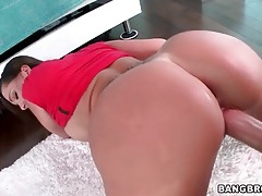 Doggystyle goddess with a fat ass tastes his cum tubes