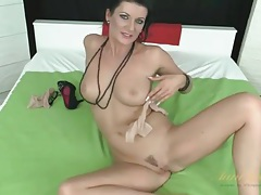 Her beauty and hot body are incredible in solo milf porn tubes