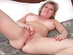 Cute amateur milf makes her first ever solo porn tubes