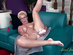 Grandma gets naked and has sex with a dildo tubes
