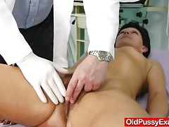 Unshaven housewife eva visits gyno doc fuck hole inspection tubes
