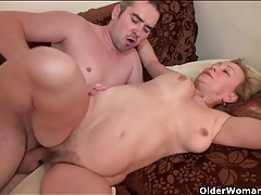 Younger man cums in her thick pubic hair tubes