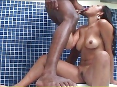 Brazilian in the hot tub masturbates her pussy tubes