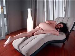 Masturbating goddess shows off her pretty feet tubes