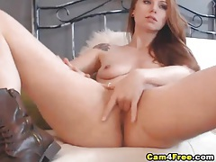 Gorgeous amateur fills her cunt with a dildo tubes
