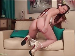 Redheaded seductress has a sexy bush tubes