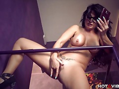 Big tits milf squirts in stairwell tubes