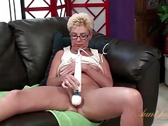 Fat ass old chick in glasses masturbates solo tubes