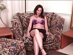 Sexy purple panties on a masturbating milf chick tubes