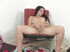 Big ass solo mom plays with her luscious cunt tubes
