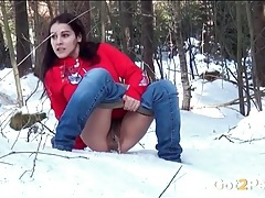 Snowy day pissing with a hairy vagina girl tubes