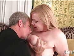 He convinces a cute fat girl to play naughty tubes