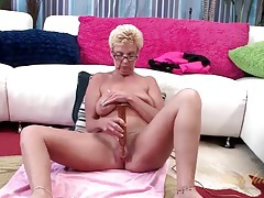 Mature nerd with a vibrator for her shaved pussy tubes