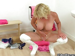 British granny molly gets naughty in bathroom tubes