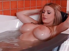 Take a bath with the huge tits blonde bimbo tubes