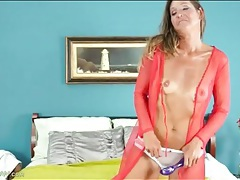 Tall mom with sexy tan lines vibes her snatch tubes