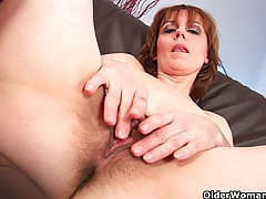 Natural milf pussy with lots of hair tubes