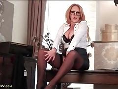 Milf secretary in a stunning skintight leather skirt tubes