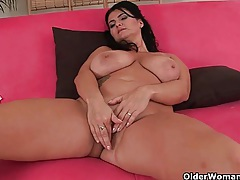 Mature women with natural big tits tubes