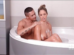 Wet beauty eva parcker sucks dick in the bathtub tubes