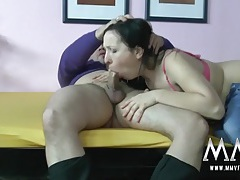 Banging the girl in the pink bra feels so good tubes