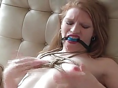 Solo bdsm babe inflicts pain on her milky white skin tubes