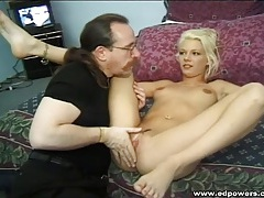 Dude goes down on a hot blonde and makes her moan tubes