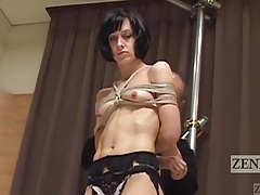 Skinny girl stands still for erotic shibari play tubes