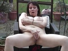 Big saggy boobs mature babe rubs her cunt tubes