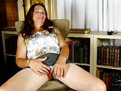 Chatty mature chick ann shows us her old pussy tubes