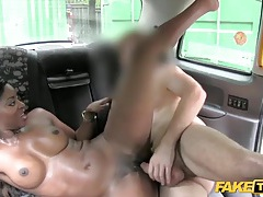 Gorgeous black girl fucked in a taxi cab tubes