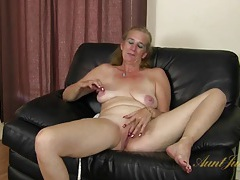 Interview with a cute mature lady that masturbates tubes