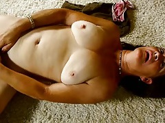 Hairy mature cunt rubbed as the lady moans for it tubes