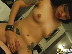 Tattooed chick is an amazing dick swallower tubes