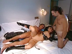 Leather gloves and boots on a slut in a threeway tubes