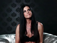India summer interview with the babe in a bra tubes