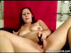 Chubby camgirl fucks her pussy with a dildo tubes