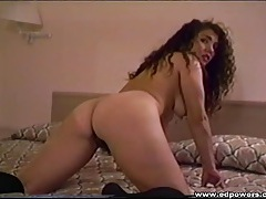 Great curly hair on a masturbating amateur chick tubes