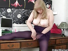 British milf lulu makes mondays at the office more enjoyable tubes