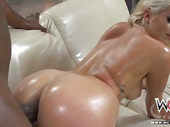 Oiled up big booty chick ass fucked by bbc tubes