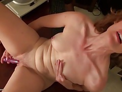 Cute curly hair mature babe fucks a toy solo tubes