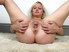 Cunt and clit rubbing blonde girl with lovely curves tubes
