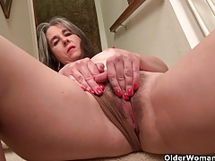 American milf kelli strips off and masturbates on the stairs tubes