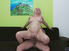 Bleach blonde mature lady laid from behind tubes