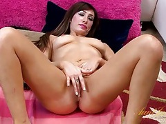 Inked girl pleasures her pussy with delicate fingers tubes