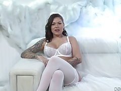 Inked pornstar dressed in white for a sex scene tubes