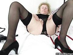 British granny clare fucks a dildo tubes